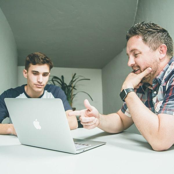 Individualne instrukcije, online predavač, 1 na 1 učenje, rezerviši predavača, samostalno učenje, individualna predavanja - OAK Online Akademija